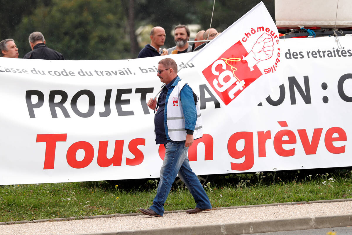 2017 08 30T120502Z 1190569556 RC15B7E9A900 RTRMADP 3 FRANCE REFORM PROTEST