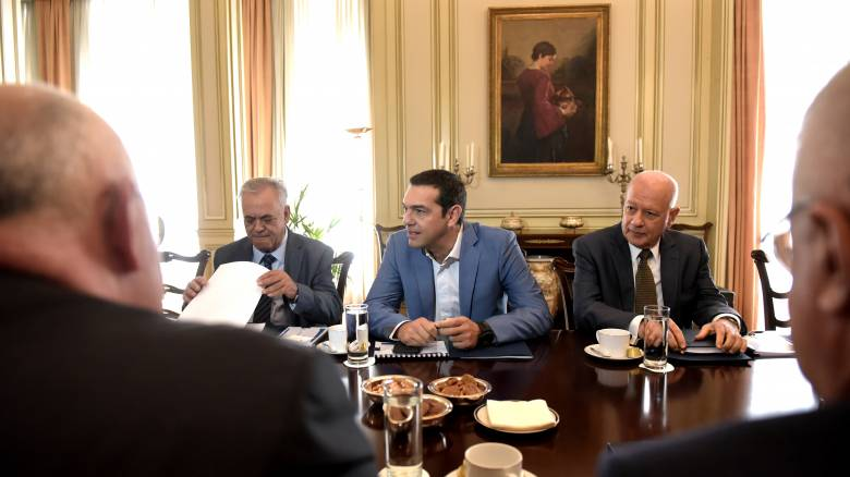 Επενδύσεις, «κόκκινα» δάνεια και ανάπτυξη στο «μενού» των συναντήσεων Τσίπρα