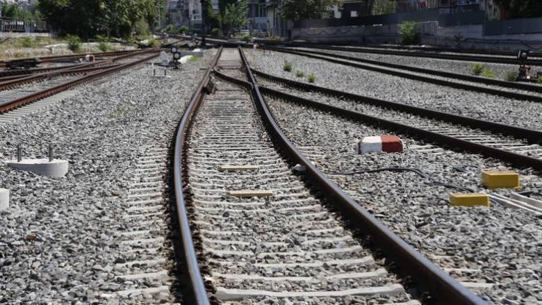 Κλειστή η σιδηροδρομική γραμμή Αθηνών-Θεσσαλονίκης, λόγω εκτροχιασμού