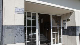 Θρίλερ με την άγρια δολοφονία στο Περιστέρι: Στο οικείο περιβάλλον του θύματος ψάχνουν τον δράστη