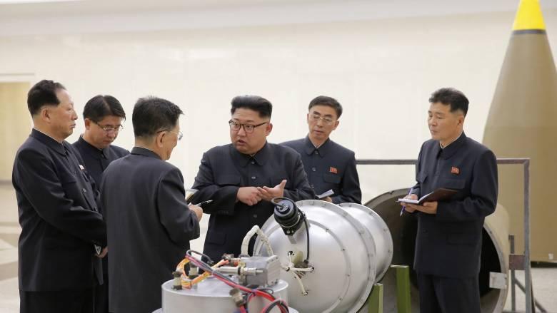 Βόρεια Κορέα: Φόβοι για νέα πυραυλική δοκιμή ενώ ο Κιμ επιθεωρεί βόμβα υδρογόνου