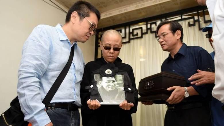 Η χήρα του Λιου Σιαομπό επέστρεψε στο σπίτι της στο Πεκίνο