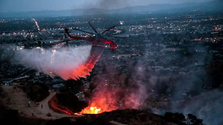 Τρομακτική πυρκαγιά στο Λος Άντζελες, στάχτη πάνω από 20.000 στρέμματα (pics&vid)