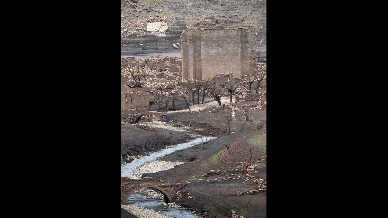 Mansilla de la Sierra, η βυθισμένη πόλη που «αναδύθηκε» λόγω της ξηρασίας