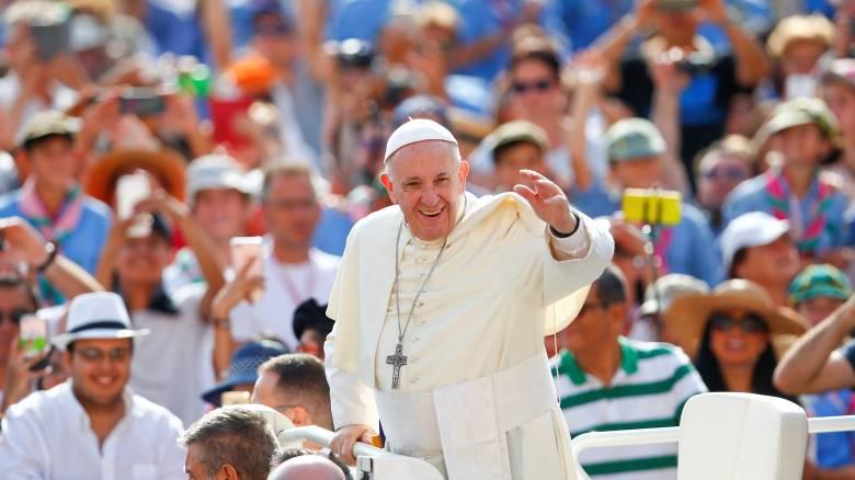 Το μήνυμα της ειρήνης κομίζει στην «πληγωμένη» από τον εμφύλιο Κολομβία ο Πάπας Φραγκίσκος