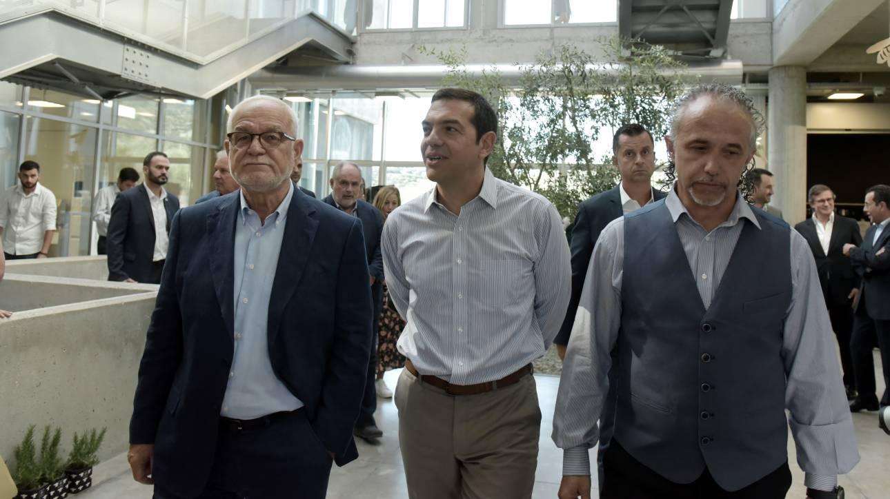 Αλέξης Τσίπρας στην Apivita: Να δημιουργήσουμε παραγωγικό μοντέλο συμβατό για την Ελλάδα