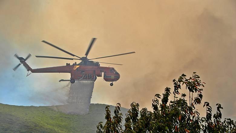 Αιφνιδιαστική επίσκεψη του Τόσκα στις καμένες περιοχές της Ζακύνθου