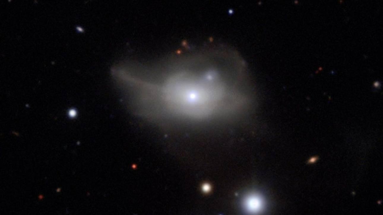 Ενδείξεις για δεύτερη μαύρη τρύπα στην «καρδιά» του γαλαξία μας