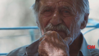 Το CNN στην Ικαρία, το νησί όπου οι αιώνοβιοι ζητούν... δάνειο!