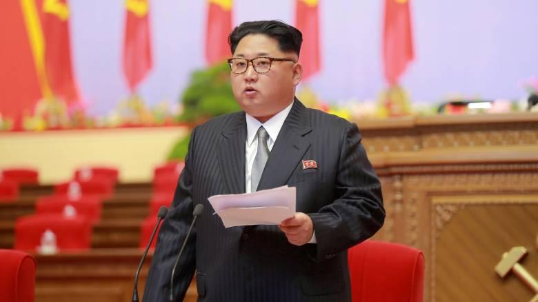 Η Βόρεια Κορέα απειλεί με νέα «δώρα» τις ΗΠΑ