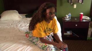 Πώς η Siri της Apple έσωσε ένα κοριτσάκι από τις καταστροφικές πλημμύρες του τυφώνα Χάρβεϊ (vids)