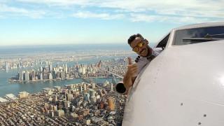Photoshop ή απόλυτη «τρέλα»: Οι selfies πιλότου που έχουν διχάσει το διαδίκτυο (Pics)