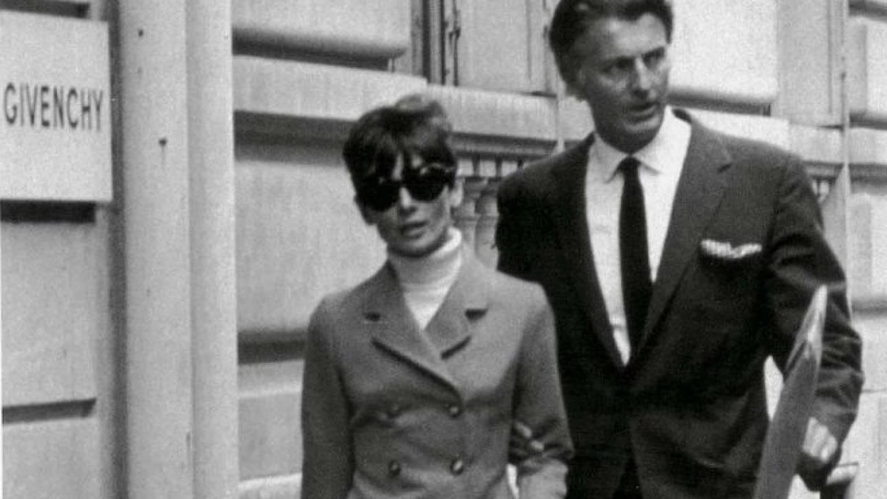 Hubert de Givenchy: Ο μόδιστρος και η μούσα του Όντρεϊ Χέπμπορν σε δύο εκθέσεις
