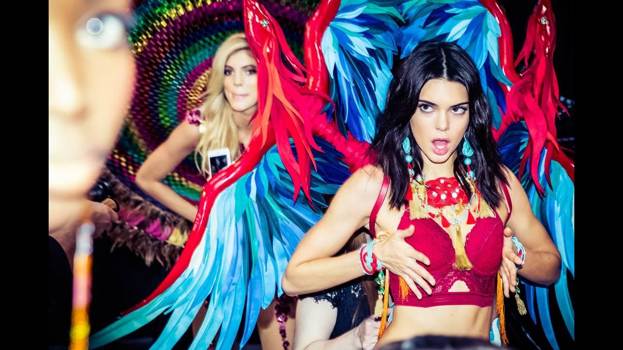 https://cdn.cnngreece.gr/media/news/2017/09/06/96323/photos/snapshot/victorias-secret-fashion-show-2016-ss01.jpg