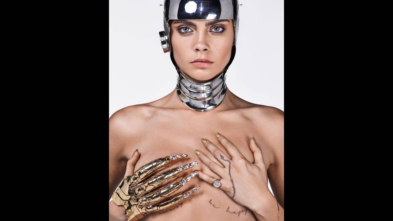 https://cdn.cnngreece.gr/media/news/2017/09/06/96351/photos/snapshot/Cara-Delevingne-Sexy-GQ-UK-August-2017-Cover-Photoshoot09.jpg