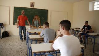 Την πρόσληψη 15.371 αναπληρωτών ανακοίνωσε το υπουργείο Παιδείας