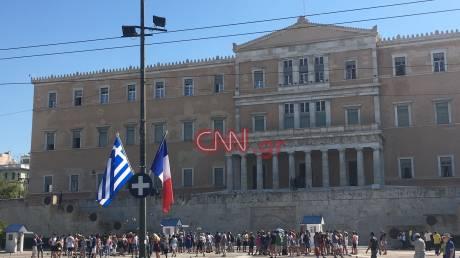 Στους ρυθμούς της επίσκεψης Μακρόν η Αθήνα (pics)