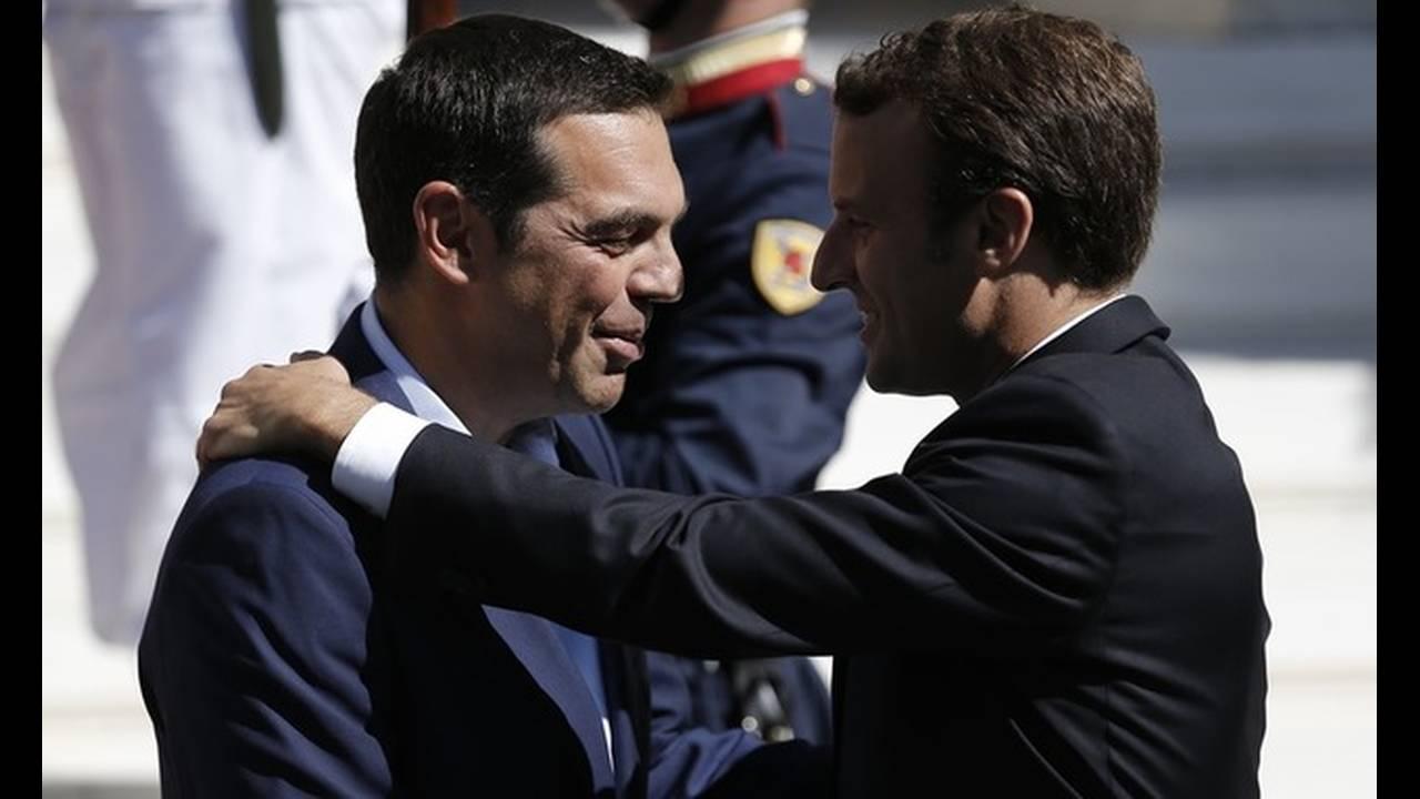 https://cdn.cnngreece.gr/media/news/2017/09/07/96457/photos/snapshot/macron-tsipras-2.jpg