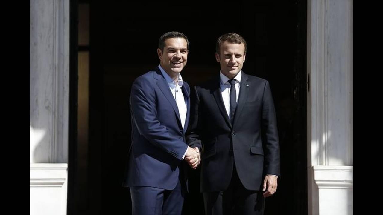https://cdn.cnngreece.gr/media/news/2017/09/07/96457/photos/snapshot/macron-tsipras-3.jpg