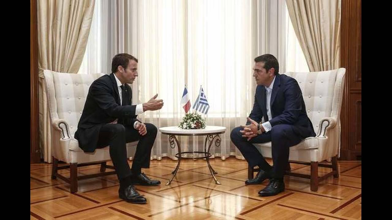 https://cdn.cnngreece.gr/media/news/2017/09/07/96457/photos/snapshot/macron-tsipras-5.jpg
