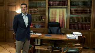 Επίσκεψη Μακρόν: Οι τρεις βασικοί άξονες της ομιλίας Τσίπρα στην Πνύκα