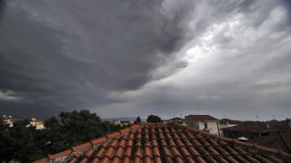 Καιρός: Σε ποιες περιοχές θα σημειωθούν βροχές και καταιγίδες την Παρασκευή