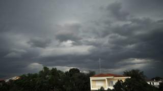Καιρός: Σε ποιες περιοχές θα σημειωθούν βροχές και καταιγίδες σήμερα