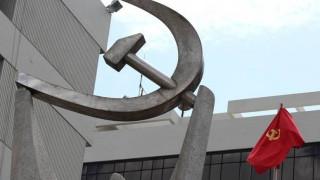 ΚΚΕ: Η επίσκεψη Μακρόν δεν φέρνει τίποτα θετικό για τον ελληνικό λαό