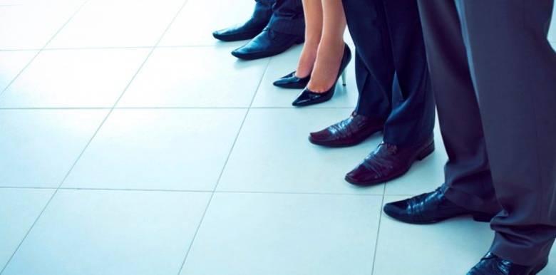 Σταθερότερες οι τράπεζες που διοικούνται από γυναίκες