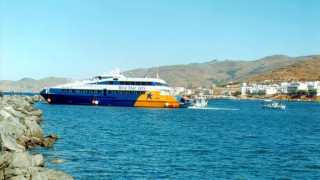 H αγωνιώδης προσπάθεια του καπετάνιου του Sea Jet 2 να δέσει στο λιμάνι μετά την πρόσκρουση (vid)