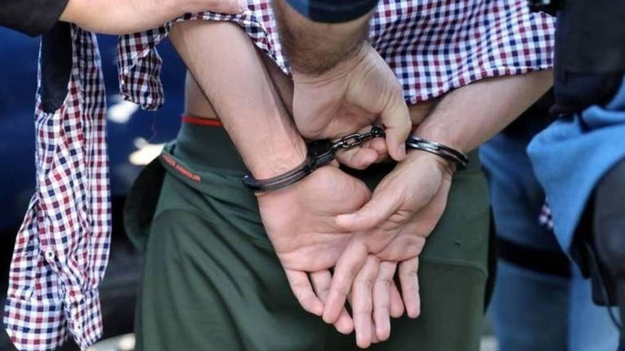 Εφοριακός συνελήφθη για αρχαιοκαπηλία