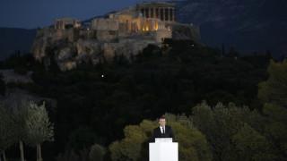 Ο γαλλικός Τύπος «αποθεώνει» τον Μακρόν για την ομιλία του στην Πνύκα