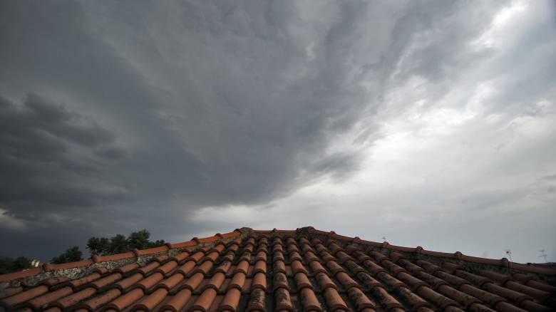 Καιρός: Πού θα σημειωθούν βροχές και καταιγίδες