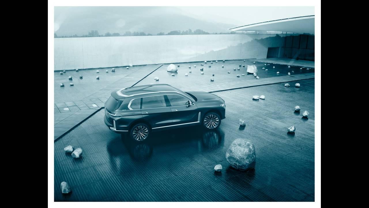 https://cdn.cnngreece.gr/media/news/2017/09/09/96703/photos/snapshot/BMW-X7-IPERFORMANCE-14.jpg