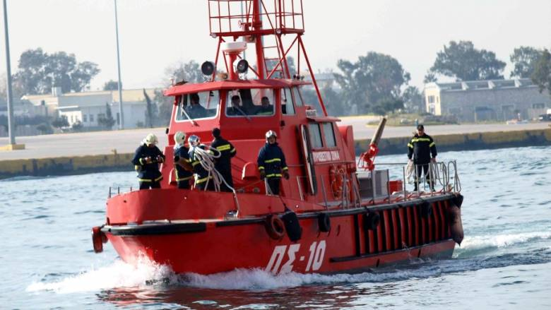 Φωτιά σε τουριστικό σκάφος μεταξύ Κεφαλονιάς και Ζακύνθου