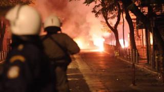 Επιθέσεις με μολότοφ σε διμοιρίες των ΜΑΤ στα Εξάρχεια
