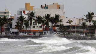 Ο κυκλώνας Κάτια υποβαθμίστηκε σε τροπική καταιγίδα