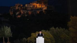 Ο Κώστας Κάπος ξεσπά για την κακοφωτισμένη Ακρόπολη στο φόντο του Μακρόν