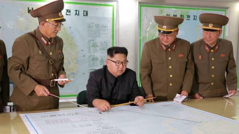Μακρόν, Τραμπ και Άμπε συζήτησαν τηλεφωνικά για τη Βόρεια Κορέα