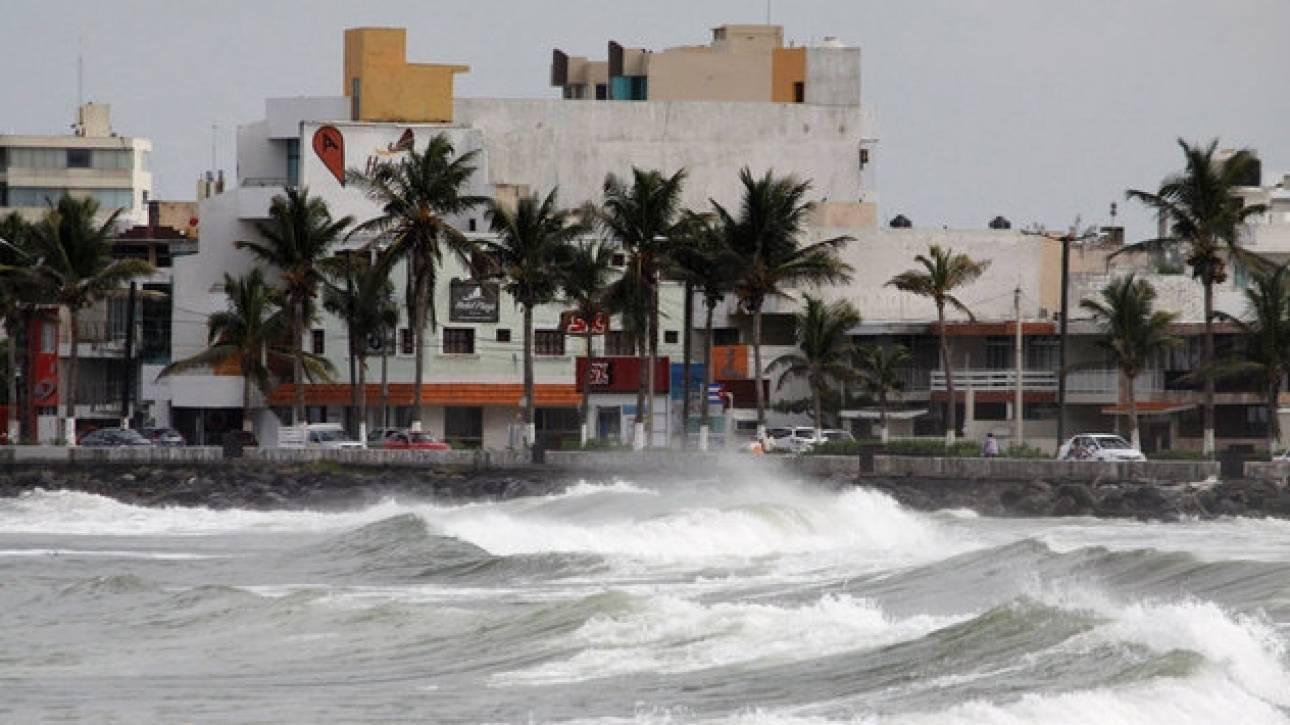 Μεξικό: Νεκροί και καταστροφές από το πέρασμα του τυφώνα Κάτια KATIA