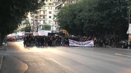 Θεσσαλονίκη: Μέλη της ΛΑΕ εισέβαλαν στο ραδιόφωνο της ΕΡΤ 3 (pics)