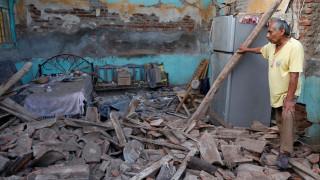 Αυξάνονται οι νεκροί από τον φονικό σεισμό στο Μεξικό (pics)
