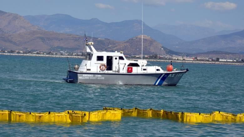 Σχέδιο αντιμετώπισης της ρύπανσης από το δεξαμενόπλοιο που βυθίστηκε στον Σαρωνικό