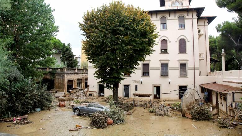 Επτά οι νεκροί από το κύμα κακοκαιρίας στην Ιταλία - Σε κατάσταση έκτακτης ανάγκης το Λιβόρνο (pics)