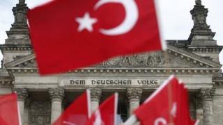 Βερολίνο: Κακόγουστο αστείο η ταξιδιωτική σύσταση της Άγκυρας