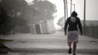 Ανελέητο σφυροκόπημα στη Φλόριντα από τον κυκλώνα Ίρμα (pics+vids)