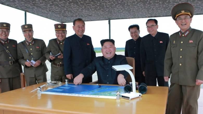 Ο Κιμ Γιονγκ Ουν απειλεί τις ΗΠΑ: Θα σας προκαλέσουμε «τον μεγαλύτερο πόνο»