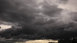 Καιρός: Έκτακτο δελτίο επιδείνωσης – Έρχονται βροχές, καταιγίδες και χαλάζι