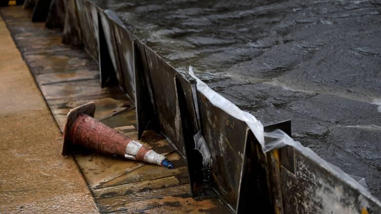 Η Ίρμα υποχωρεί αφήνοντας πίσω νεκρούς και ανυπολόγιστες ζημιές (pics&vid)