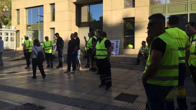 Δεν υποχωρούν οι εργαζόμενοι στα μεταλλεία, παρά τις δεσμεύσεις Σταθάκη (vids)